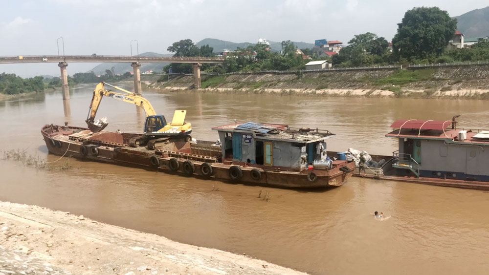 Lục Ngạn : Khắc phục sự cố sạt lở kè sông Lục Nam